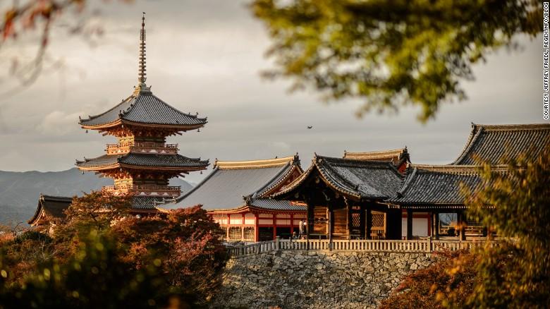 150726183949-kyoto-guide-kiyomizu-exlarge-169